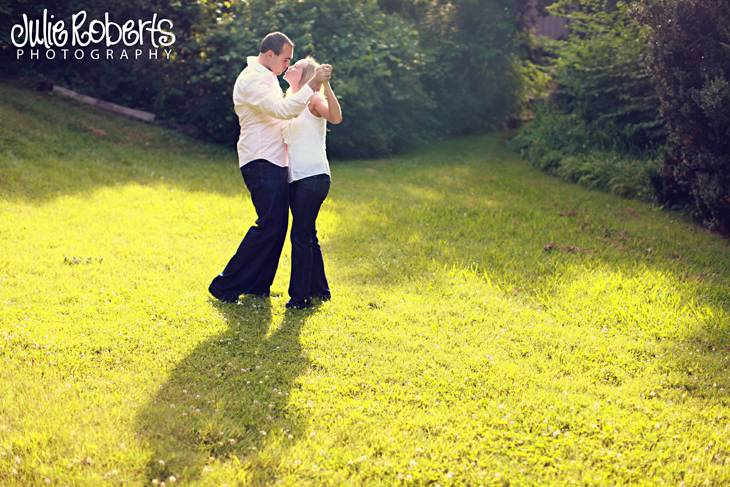 Brandon Kittrell and Ashley Mowrey are engaged!  Knoxville, Lenoir City, East Tenenssee Wedding Photography, Julie Roberts Photography