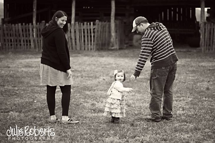 Maple Rae Shelton - Johnson City - Tennessee - Rocky Mount - Family and Child Photography, Julie Roberts Photography