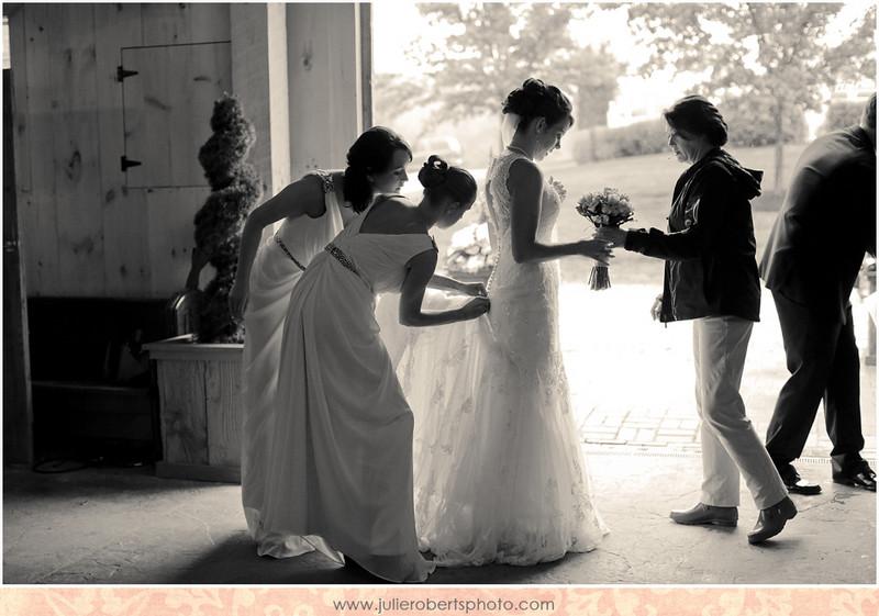 Lauren Lampley and Matt Garrison ... A Spring Wedding at Castleton Farms, Julie Roberts Photography