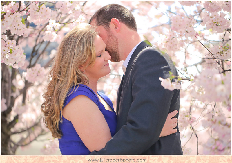 Lindsay + Jason :: A Nashville Engagement :: Tennessee Photographer, Julie Roberts Photography